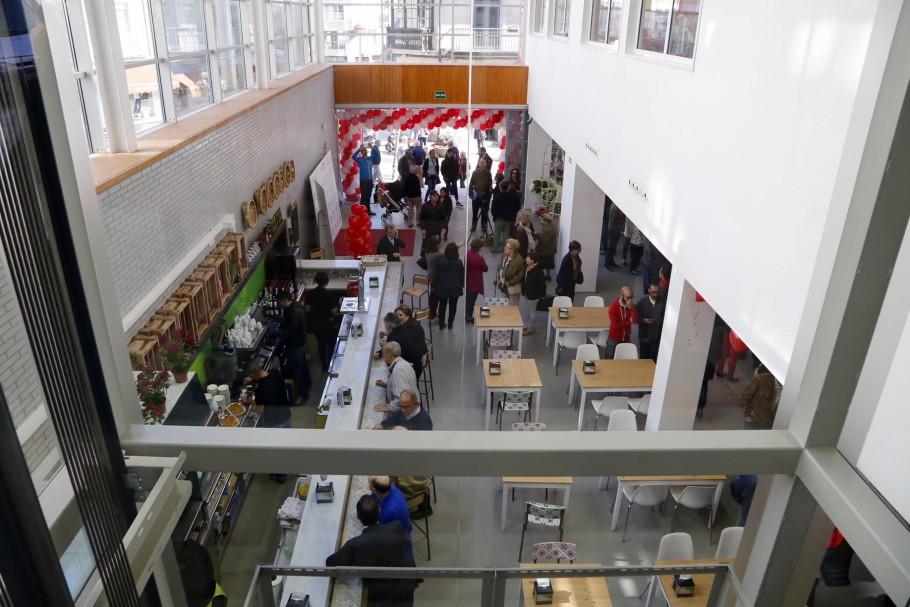 Interior del nuevo mercado de Progreso de Vigo, tras las obras de remodelación.