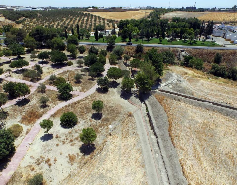 Zona donde se produjeron hallazgos arqueológicos durante las obras en Marchena.