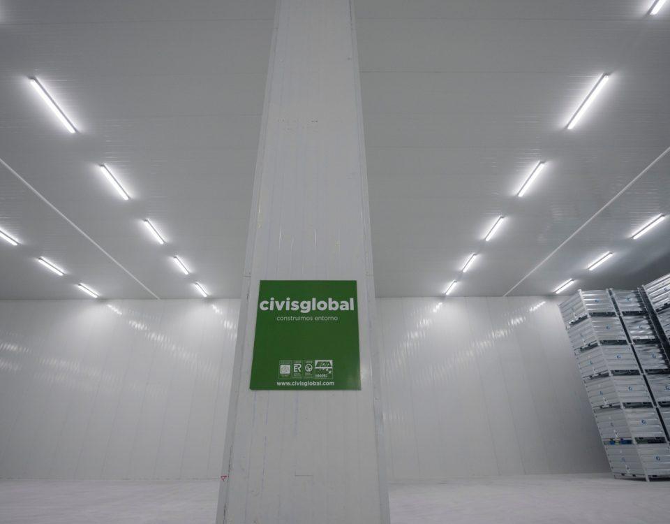 Interior de las cámaras frigoríficas de la factoría pesquera construidas por Civis Global.