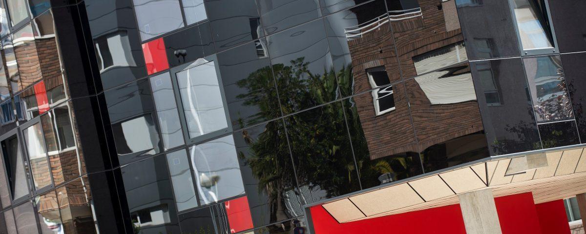 VIGO, 09/08/17. EDIFICIO EN CONSTRUCCION EN CALLE ESCULTOR NOGUEIRA DE VIGO, OBRA CIVISGLOBAL.