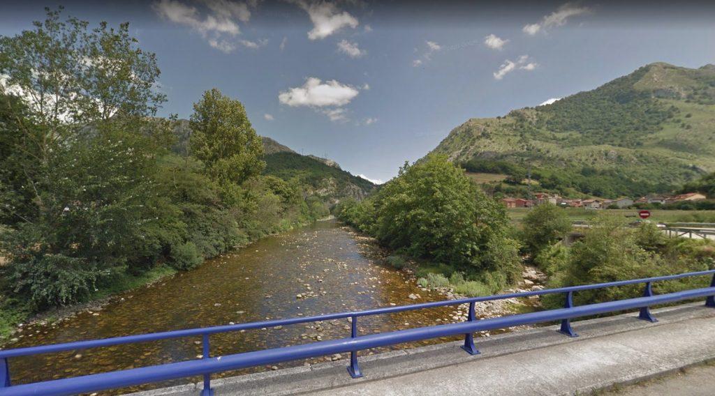 El río Nalón a su paso por el municipio de Laviana, en Asturias.